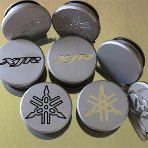 *Motor-Designparts* Schwingenkappen Yamaha XJR/FZS Fazer Silber